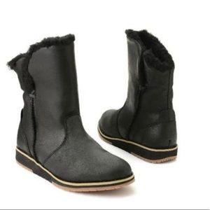 EMU Australia Beach Lo suede & wool black boots